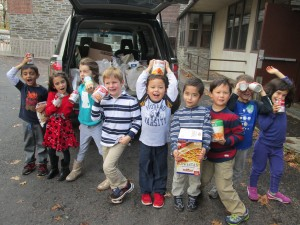 Kindergarten food drive MCH